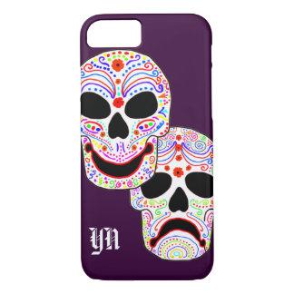 Coque iPhone 8/7 Monogramme de crânes de Halloween DOTD de