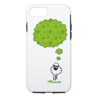 Coque iPhone 8/7 Petit rêve de moutons au sujet de l'Irlande
