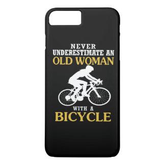 COQUE iPhone 8 PLUS/7 PLUS DAME ÂGÉE AVEC UNE BICYCLETTE