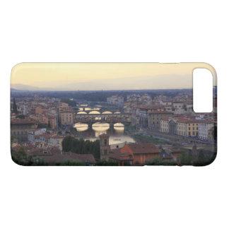 Coque iPhone 8 Plus/7 Plus La rivière de l'Arno et le Ponte Vecchio à