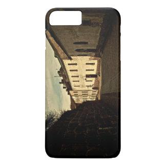 Coque iPhone 8 Plus/7 Plus Vieil orienté, un passage fait de briques, passant