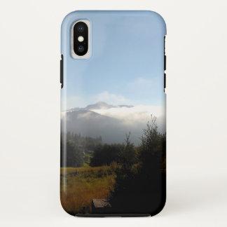 Coque iPhone X Brume dans la vallée magique