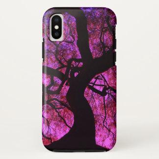 Coque iPhone X Sous l'arbre dans le rose/pourpre