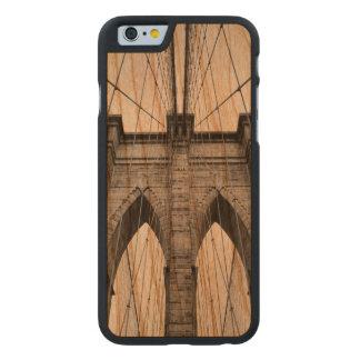 Coque Mince En Cerisier iPhone 6 Détail architectural de plan rapproché de pont de