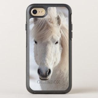Coque Otterbox Symmetry Pour iPhone 7 Fermez-vous d'un cheval islandais blanc