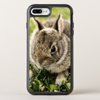 Coque Otterbox Symmetry Pour iPhone 7 Plus Lapin de bébé sur l'herbe