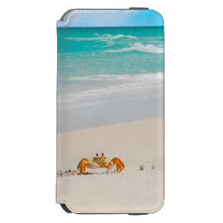 Coque-portefeuille iPhone 6 Incipio Watson™ Crabe mignon sur une plage tropicale