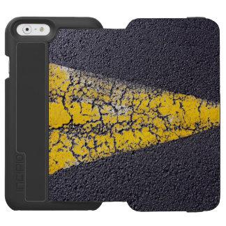Coque-portefeuille iPhone 6 Incipio Watson™ Flèche jaune criquée sur une route