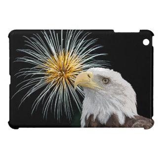 Coque Pour iPad Mini Eagle chauve et feux d'artifice