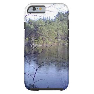 Coque Tough iPhone 6 Petit lac avec des arbres