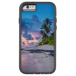Coque Tough Xtreme iPhone 6 Plage sablonneuse des Caraïbes et paumes côtières