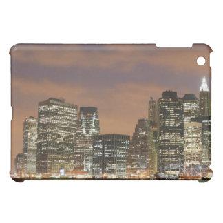 Coques iPad Mini Horizon de Manhattan aux lumières de nuit, NYC