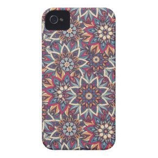 Coques iPhone 4 Motif floral ethnique abstrait coloré de mandala
