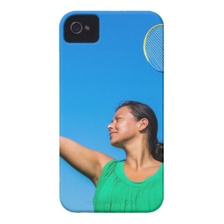 Coques iPhone 4 Service colombien de femme avec la raquette de