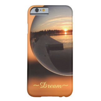 Coucher du soleil au-dessus de boule de cristal de coque iPhone 6 barely there