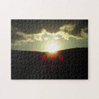 Coucher du soleil au-dessus de la colline puzzle