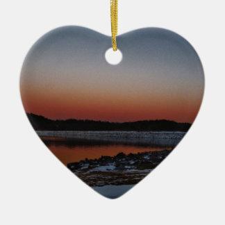Coucher du soleil de Milou à la pointe de flèche Ornement Cœur En Céramique
