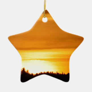 Coucher du soleil très orange ornement étoile en céramique
