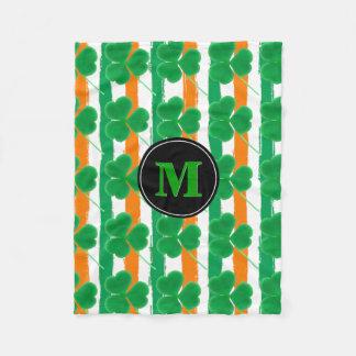 Couleurs irlandaises de drapeau des shamrocks | du