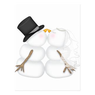 Couples de baiser adorables de bonhomme de neige carte postale