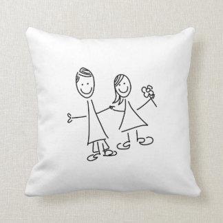 Couples de pair des amants dessinant le coussin