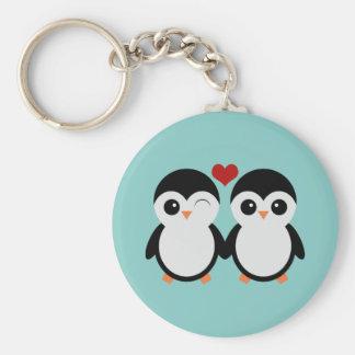 Couples de pingouin porte-clé rond