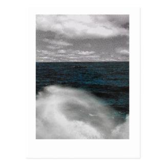 Coupure de vague. Couleur et photo noire et Carte Postale