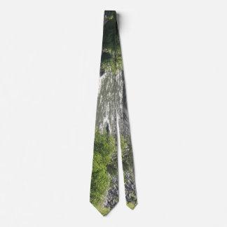 Courbure de rivière cravate