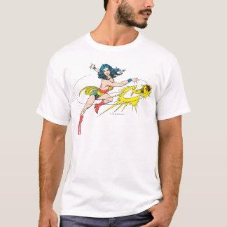 Couronne de WomanThrows de merveille T-shirt