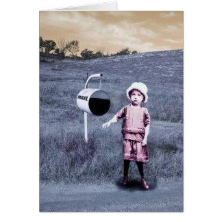 Courrier de attente de petite fille, cru carte de vœux