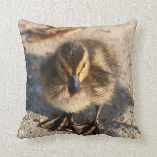 Coussin animal de faune d'oiseau de canard de bébé
