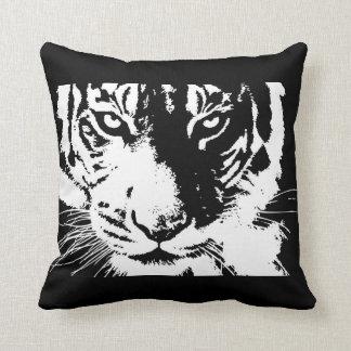 Coussin avec le tigre noir et blanc d'impression