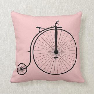 Coussin Bicyclette d'antiquité de carreau de quartz rose