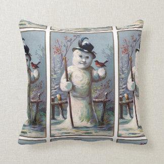 Coussin Bonhomme de neige vintage avec le motif de Robin