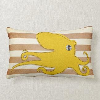 Coussin : Brown et poulpe jaune