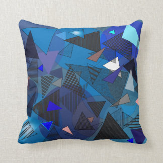 "Coussin Carreau avec la conception ""de denim de triangles"""