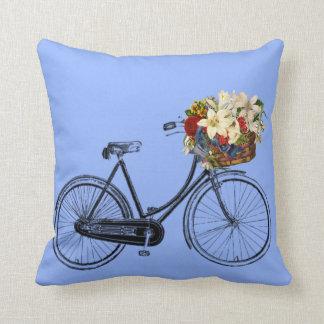 Coussin Carreau bleu-clair de fleur   de bicyclette