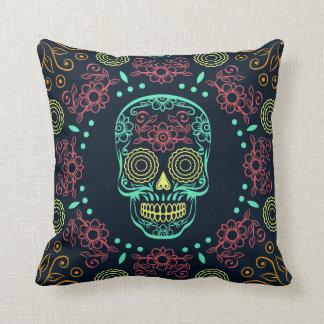 Coussin Carreau floral de crâne de Dia de los Muertos Neon