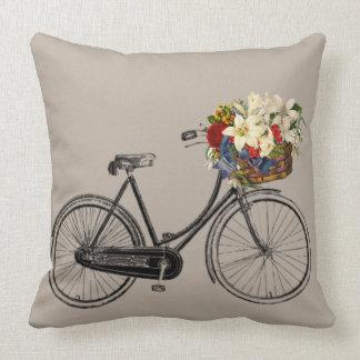 Coussin Carreau gris-clair de fleur   de bicyclette