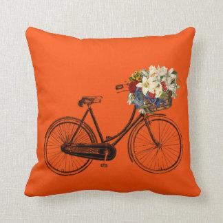Coussin Carreau orange de fleur de bicyclette de flamme
