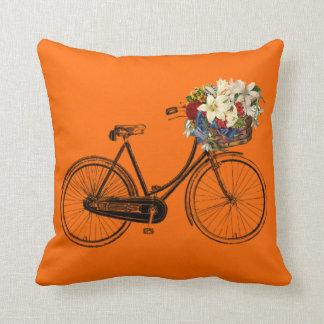 Coussin Carreau orange lumineux de fleur de bicyclette