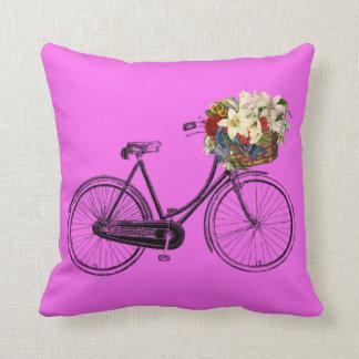 Coussin Carreau pourpre de fleur de bicyclette de prune