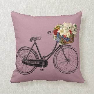 Coussin Carreau pourpre mauve de fleur de bicyclette