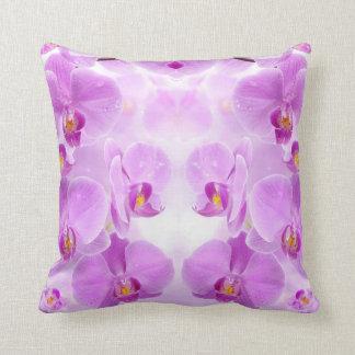 Coussin Carreau rose d'orchidées