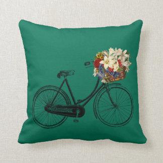 Coussin Carreau vert de fleur de bicyclette de pré