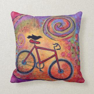 Coussin Coloré, juste tour et mouche, bicyclette et Raven