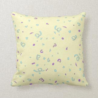Coussin de confettis de turquoise et de lavande