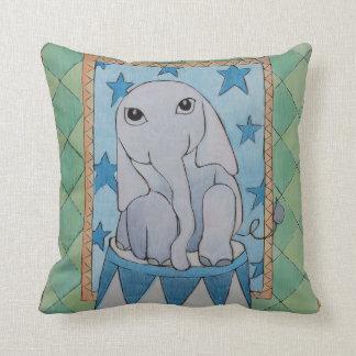 Coussin d'éléphant de bébé