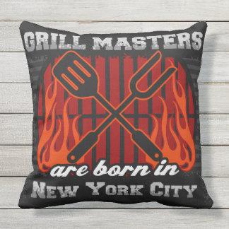Coussin D'extérieur Les maîtres de gril sont nés à New York City