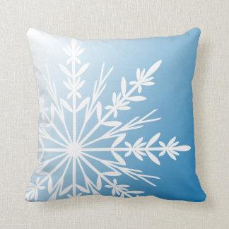 Coussin Flocon de neige blanc sur le bleu